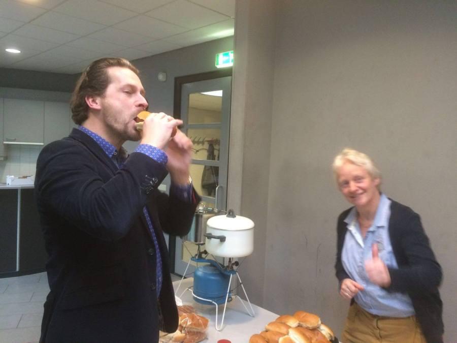 Eerste Broodje Worst smaakt prima
